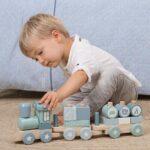 Personalisierte Holz-Eisenbahn blau-mint